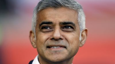 Trump backers demand arrest of London Mayor | Sky News Australia