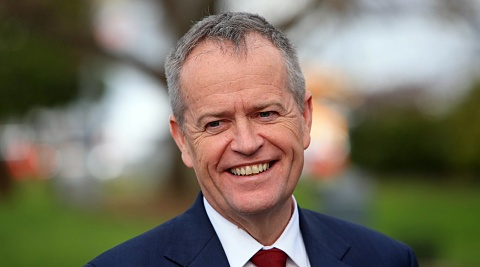 Shorten promises to raise minimum wage to 'living wage'