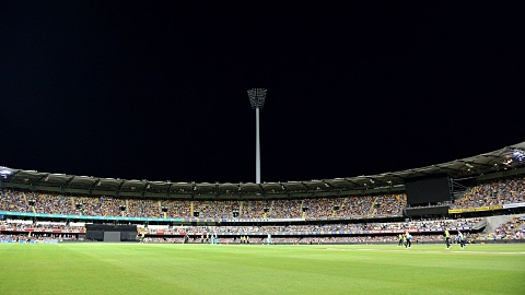 Fans left disappointed as power outage forces end to Big Bash match