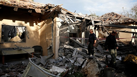 Netanyahu promises forceful response to Gaza attacks