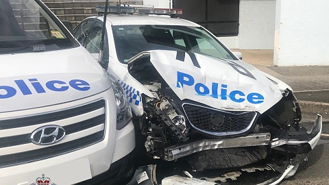 Officers discover $200m worth of ice in van after slamming police car | Sky News Australia