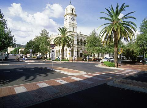 Deputy PM urges job seekers to move to regional towns | Sky News Australia