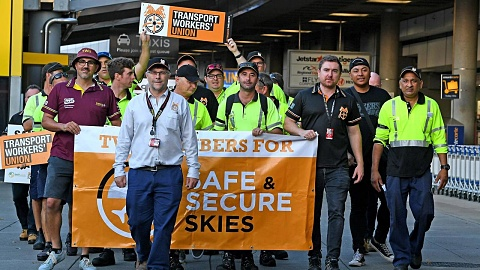 Jetstar wage dispute remains 'up in the air' as Christmas nears | Sky News Australia