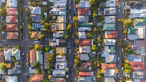 House prices fall 0.7 per cent for June quarter | Sky News Australia