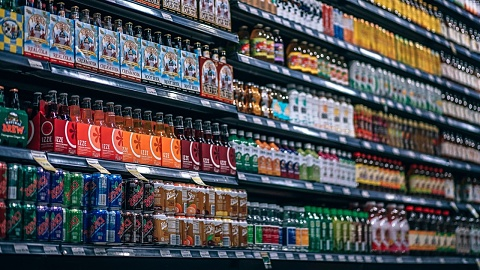 Two thirds of drinks sold as supermarkets bad for health | Sky News Australia
