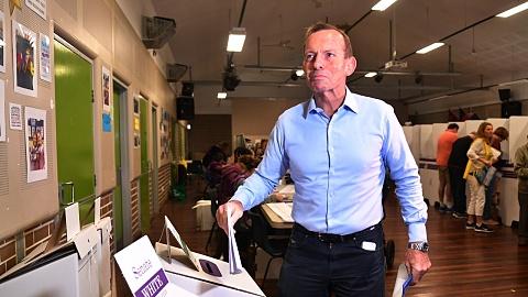Tony Abbott loses Warringah to Zali Steggall | Sky News Australia