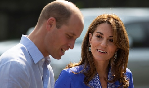 William and Kate's turbulent flight has two aborted landings in Islamabad | Sky News Australia