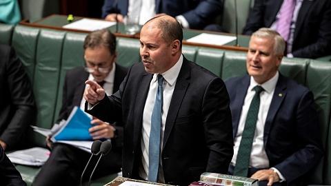 Frydenberg praises 'magnificent' Victorians, slams Andrews government