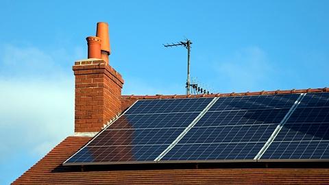 Pauline Hanson calls for Senate inquiry into solar panels