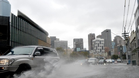Warning issued as wild weather lashes Victoria