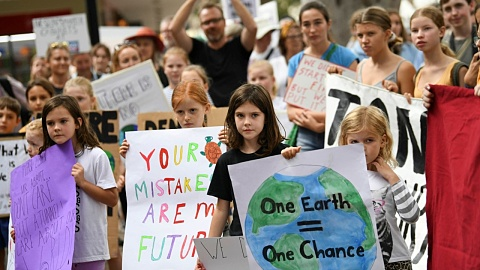 Children as young as 10 suffering from 'climate anxiety' | Sky News Australia