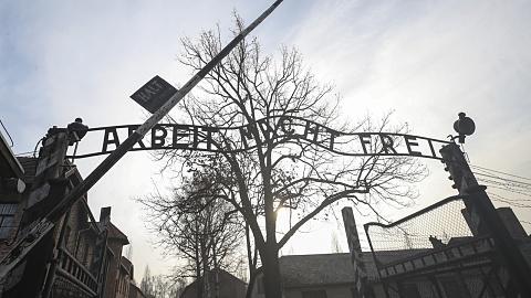 Survivors gather at Auschwitz to mark 75 years since liberation | Sky News Australia