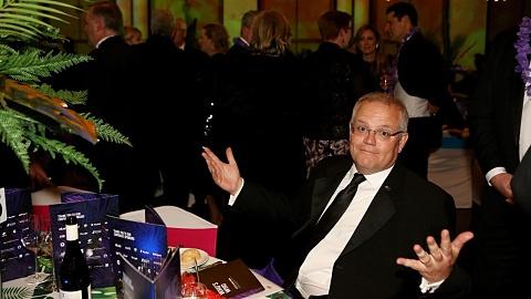 Gloves off as Morrison and Albanese make midwinter ball address | Sky News Australia