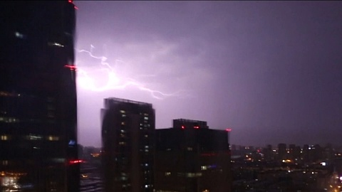 Thunderstorm batters Tianjin in China   Sky News Australia
