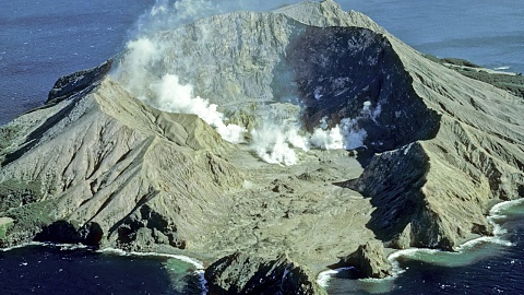 Fears for tourists after NZ volcano erupts   Sky News Australia