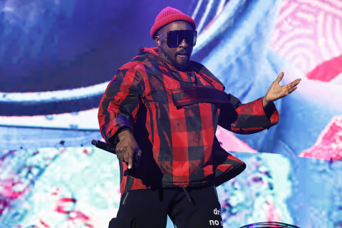 Qantas willing to sue rapper Will.I.Am over racism claims   Sky News Australia