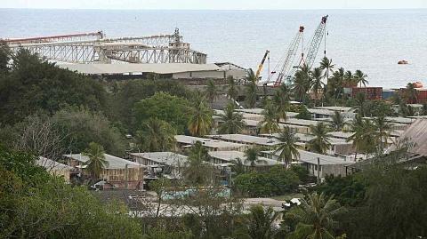 New Zealand blocks holiday visas of 450 Nauru refugees
