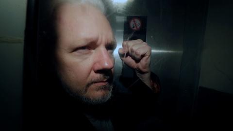 Assange loses bid for freedom amid COVID-19 outbreak | Sky News Australia
