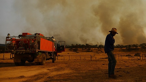 So many use the 'bushfire tragedies' to 'push political, business or policy agenda'   Sky News Australia
